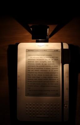 Lampka Kindle zgóry