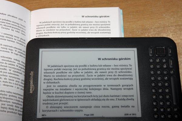 Obrócony PDF w Kindle i papierowa książka