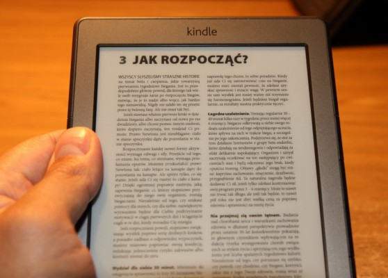 Trzymanie Kindle z boku