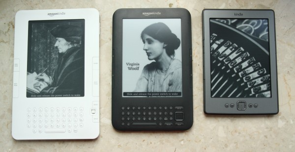 Obok siebie Kindle 2, 3 i 4