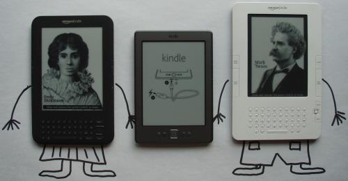 Mały Kindle i dwa starsze