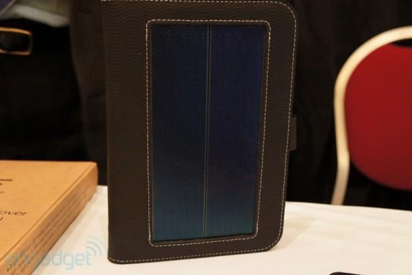 Panel słoneczny na okładce Solar Case