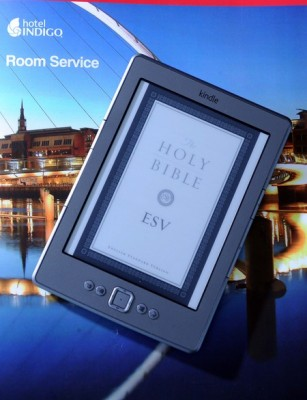 Kindle z Biblią w hotelu Newcastle